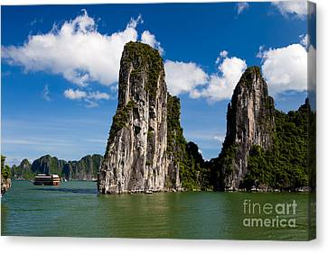 Canvas Print - Vietnamese Junk Cruising On Halong Bay Vietnam by Fototrav Print