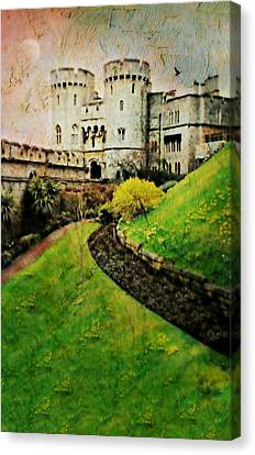Windsor Castle Canvas Print by Diana Angstadt