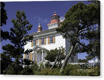 Yaquina Bay Lighthouse Canvas Print by Tim Moore