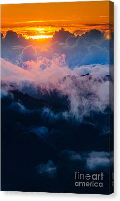 Clouds At Sunrise Over Haleakala Crater Maui Hawaii Usa Canvas Print