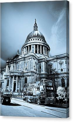 St Paul's Cathedral London Art Canvas Print by David Pyatt