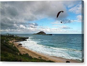 A Hot Summer Day Canvas Print - Hawaii by Sergi Reboredo