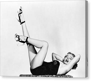 Marilyn Monroe (1926-1962) Canvas Print by Granger