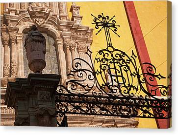 North America, Mexico, Guanajuato Canvas Print by John and Lisa Merrill