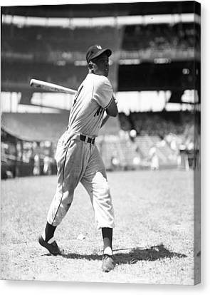 Gold Glove Canvas Print - Willie Mays by Retro Images Archive