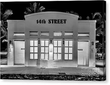 14th Street Art Deco Toilet Block Sobe Miami - Black And White Canvas Print by Ian Monk