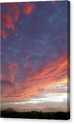 Sunset Canvas Print by Les Cunliffe