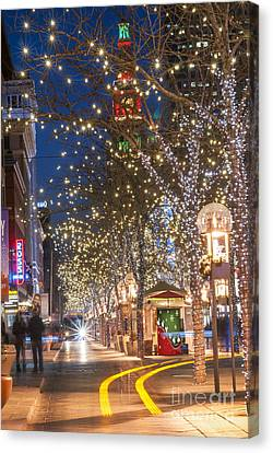 16th Street Mall In Denver Holiday Time Canvas Print by Juli Scalzi