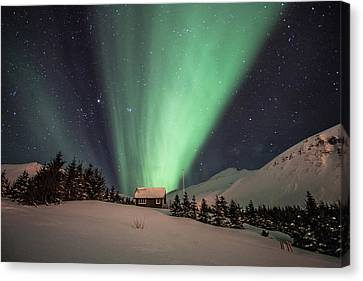 Canvas Print featuring the photograph Aurora Borealis by Frodi Brinks