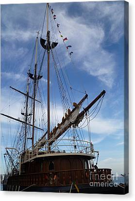 1812 Tall Ships Peacemaker Canvas Print