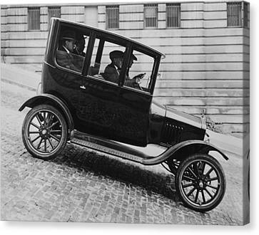 1921 Ford Model T Tudor Canvas Print by Underwood Archives