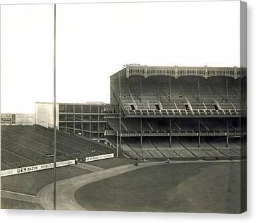 1923 Yankee Stadium Canvas Print by Underwood Archives