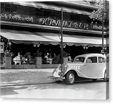 Restaurant Es Canvas Print - 1930s Cafe Kranzler Kurfurstendamm by Vintage Images