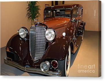 1933 Lincoln Kb Sedan 5d25719 Canvas Print