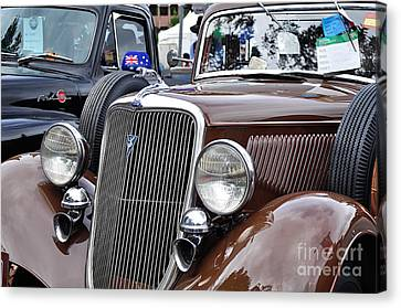 1934 Ford 6 Wheel Equip Front End Canvas Print by Kaye Menner
