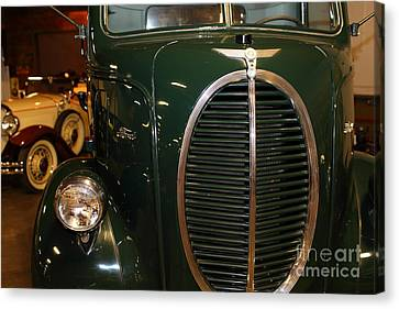 1940 Ford Cabover Tow Truck 5d25756 Canvas Print by Wingsdomain Art and Photography