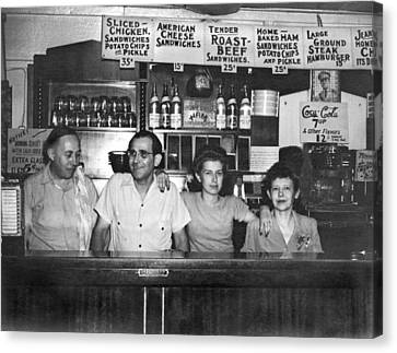 1940's Diner And Its Staff Canvas Print by Underwood Archives