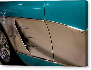 1961 Chevrolet Corvette Canvas Print by David Patterson