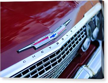 1962 Chevrolet Impala Ss Grille Canvas Print by Jill Reger