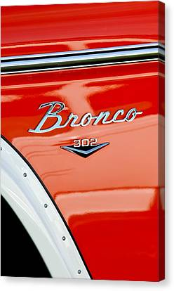 1973 Ford Bronco Custom 2 Door Emblem Canvas Print by Jill Reger