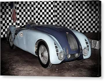 Canvas Print featuring the photograph 1936 Bugatti 57g Tank by Boris Mordukhayev
