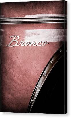 1973 Ford Bronco Custom 2 Door Emblem Canvas Print by Jill Reger