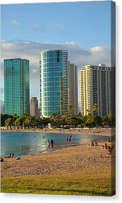 Ala Moana Beach Park, Waikiki Canvas Print by Douglas Peebles