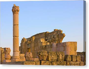 Ancient Jerash Ruins, Amman, Jordan Canvas Print by Keren Su