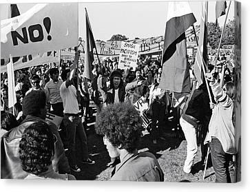 Anti Vietnam War Demonstration Canvas Print by Underwood Archives Adler