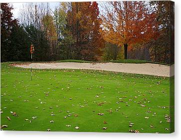 Canvas Print featuring the photograph Autumn On The Green by Randy Pollard