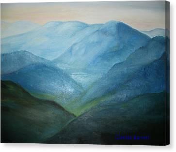 Blue Mountain Ridges Canvas Print by Glenda Barrett