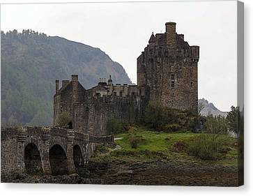 Cartoon - Structure Of The Eilean Donan Castle With A Stone Bridge Canvas Print