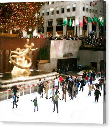 Canvas Print featuring the photograph Christmas In New York by Raymond Earley