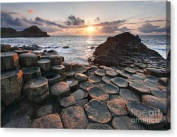 Giant's Causeway 2 Canvas Print by Rod McLean