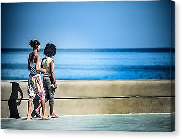 2 Girls On The Malecon Canvas Print by Patrick Boening