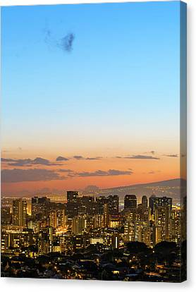 Honolulu Skyline Canvas Print by Babak Tafreshi