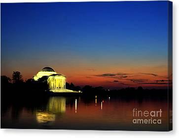 Us Capital Canvas Print - Jefferson Monument Reflection by Lane Erickson