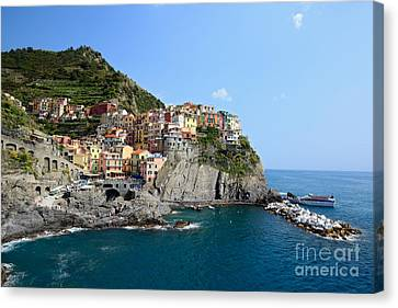 Manarola In The Cinque Terre - Italy Canvas Print by Matteo Colombo