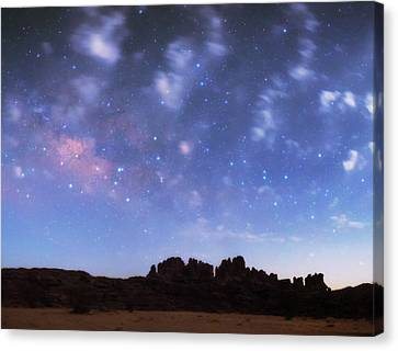 Milky Way Over The Sahara Desert Canvas Print by Babak Tafreshi
