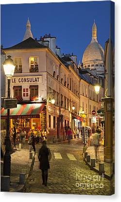 Montmartre Twilight Canvas Print