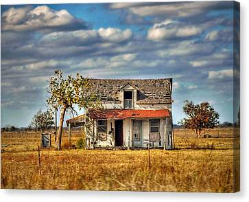 Canvas Print featuring the photograph Old Home by Savannah Gibbs