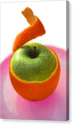 Canvas Print featuring the photograph Oranple by Richard Piper