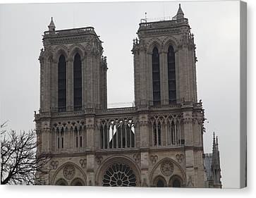 Paris France - Notre Dame De Paris - 01133 Canvas Print by DC Photographer
