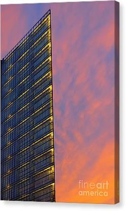 Potsdamerplatz Berlin Canvas Print by Colin Woods