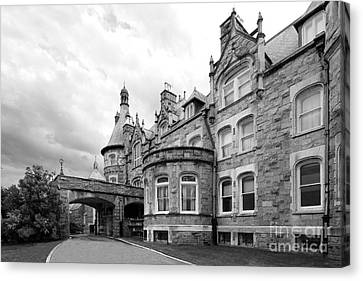 Rosemont College Main Building Canvas Print by University Icons