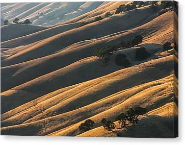 Round Valley Ridges Canvas Print by Marc Crumpler