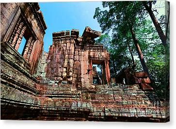 Ruin At Angkor Canvas Print