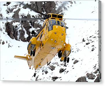 Seaking Helicopter Canvas Print by Paul Fearn