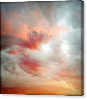 Sunset Sky Canvas Print by Les Cunliffe