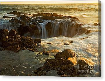 Thor's Well Canvas Print by Nick  Boren